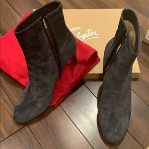 Gorgeous brand new Christian Louboutin booties 🤩